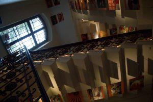 Galerie unter der Treppe: Plakate von Shining